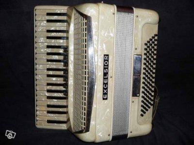 voici mon accordeon j'en suis fan... :)