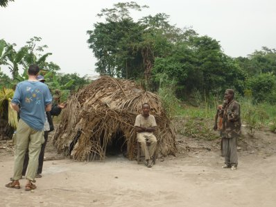 Jeudi 19 mai 2011 :  A la rencontre des Pygmées Bayaka :