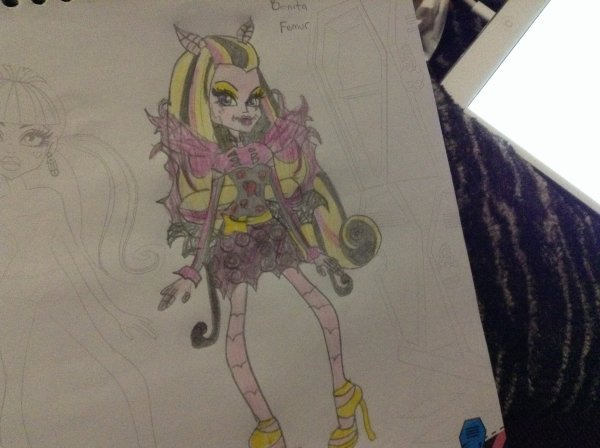 Quelques dessins monster high