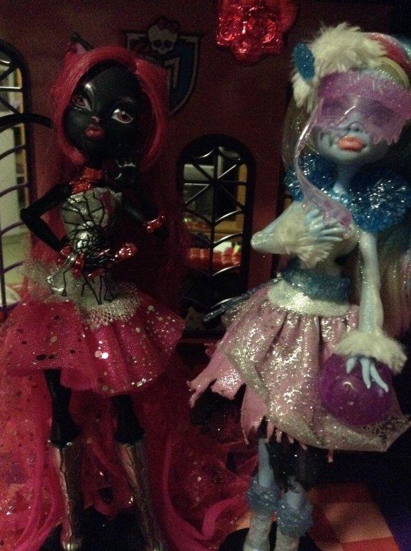 Pour le concours de Create-a-monster(Le concert d'Halloween de Catty Noir)