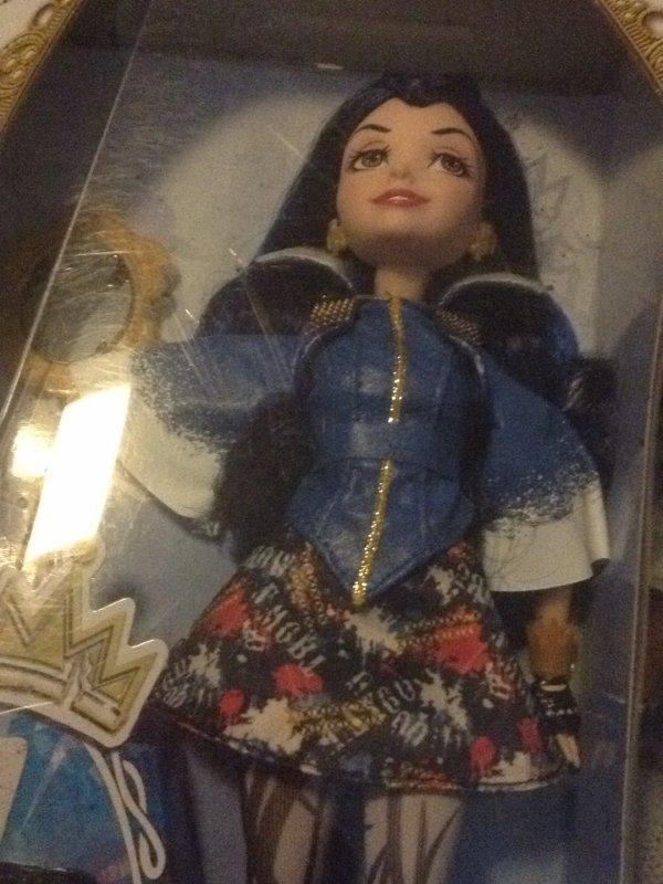 Premières poupées descendants