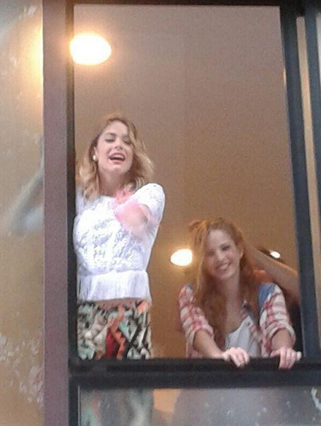 Martina Tini Stoessel y Candelaria Cande Molfese