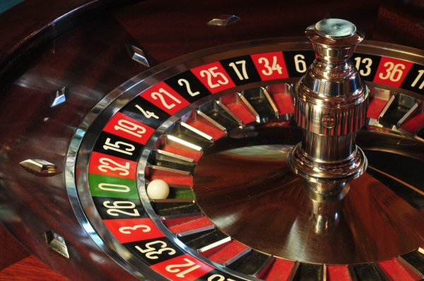 oui la roulette oui la roulette....100 euros par jour garantie une simple technique automatique......