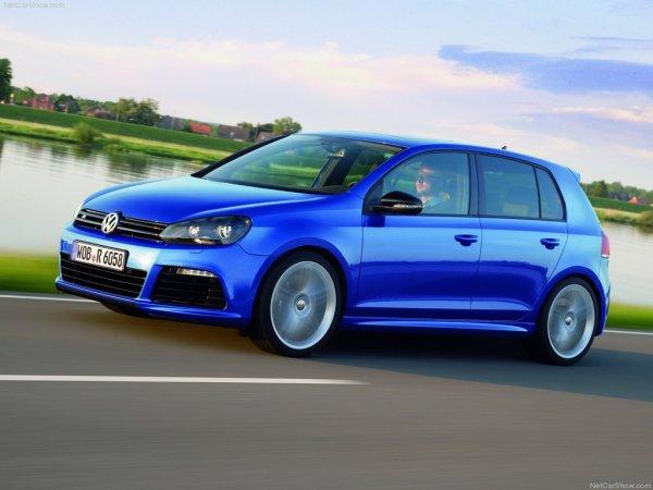 - Volkswagen Golf VI R -