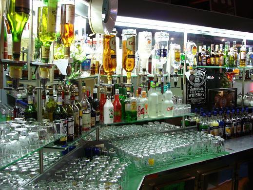 C'est tellement bon L'alcool, Mais au volant c'est Prendre des Risques. ;)