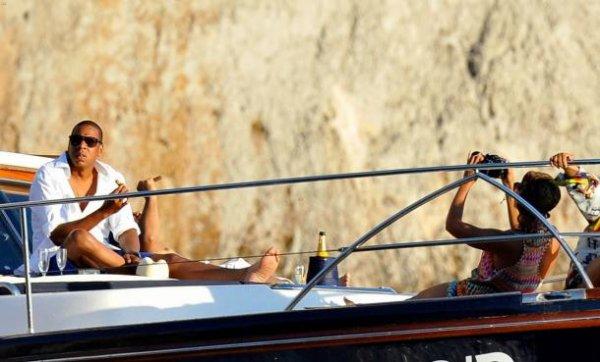 Beyonce profite de ses vacances en Europe pour passer du temps avec son époux Jay Z et sa fille Blue Ivy.