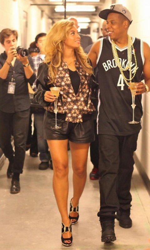 Beyoncé en Prabal Gurung avec Jay Z au Barclay's Center le 28 octobre 2013