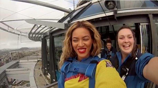 Beyoncé partage la vidéo de son saut à l'élastique sur YouTube !