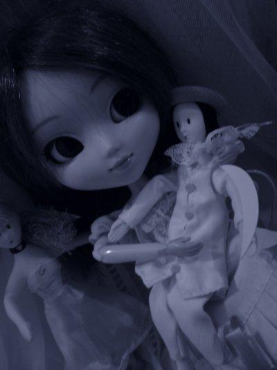 Nina in her world ♠