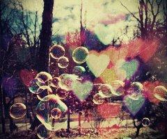 L'amour est un je n'sais quoi, qui vient de je n'sais où et qui se finit je n'sais quand...