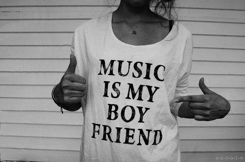 La musique commence là où s'arrete le pouvoir des mots ♪♫