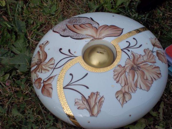 grand bougeoir ou pique fleurs aux couleurs chaudes et or