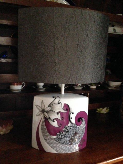 UNE GRANDE LAMPE......source R. Plantier et puis autres lampes . Merci à mon amie Michèle pour la réalisation des superbes abajours
