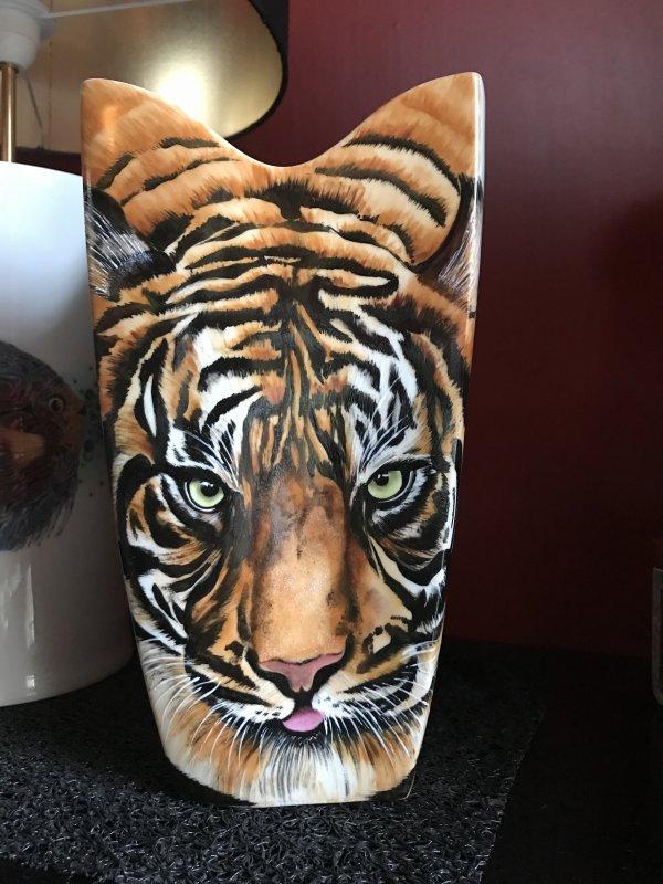Une lampe tigre ... une commande