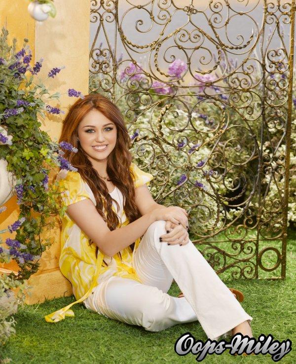 Bienvenue sur Oops-Miley ! Ta source sur Miley Cyrus !