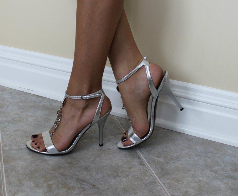 Chaussures à talon + bonne posture= démarche sexy !