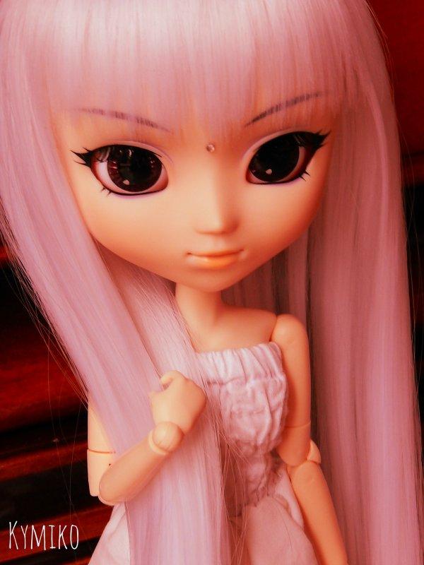 Pink Emiko...