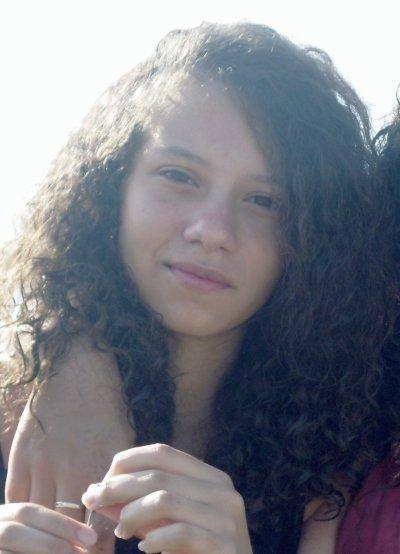 ines. bordeaux. 15 ans. algérienne