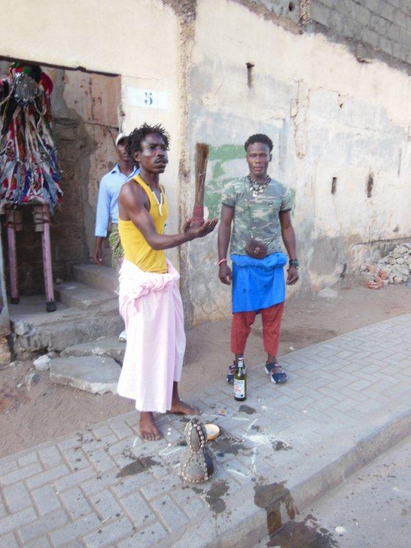 CEREMONIE TRADITIONNEL (L'AFRIQUE NOIR ET SES MYSTERES)
