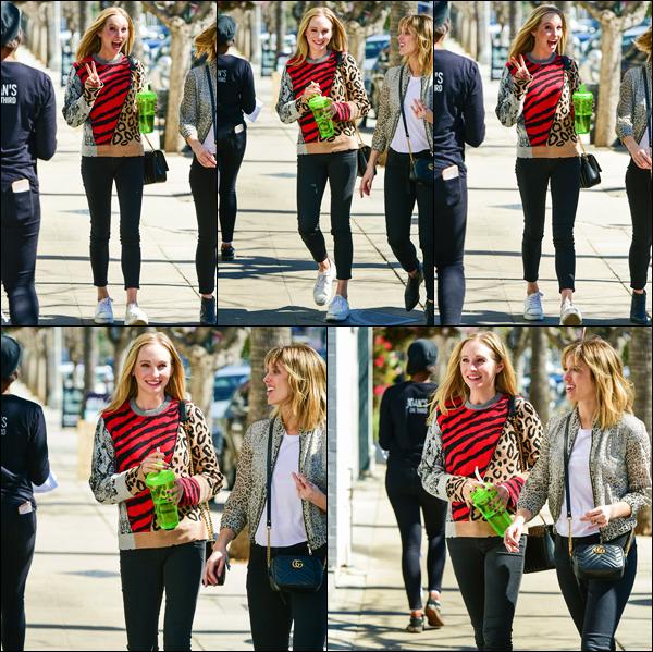 """"""" • 13/03/19 — Candice Accola a été aperçue alors qu'elle se se promenait avec Kayla Ewell, dans les rues de Los Angeles CA. """""""