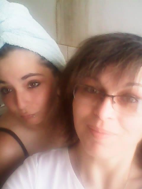 mes filles delphine et sabrina <3