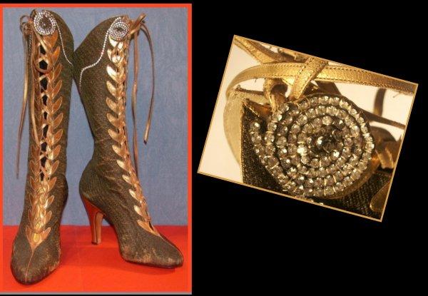 Paire de bottes de Martine CAROL (1920-1967) en velours et cuir. Elle portait ces bottes dans le film Nana (1954).