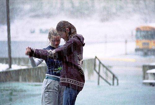 """""""La vie, ce n'est pas d'attendre que l'orage passe. C'est d'apprendre à danser sous la pluie"""""""