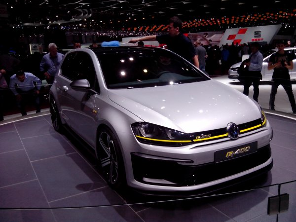 Salon de l'Auto' : Golf R 400