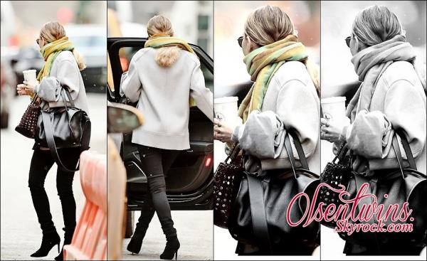 18/03/2015 : Ashley Olsen à été aperçue se dirigeant vers une voiture dans les rues de New York.J'aime beaucoup sa tenue ! dommage quel se cache et qu'on voit pas mieux ! TOP !