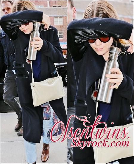 01/04/2015 : Ashley Olsen à encore été vue ( sa soeur ne sort plus ) à New-York.Dommage qu'on est peu de photo ! sa tenue à l'air sympa malgré qu'on voit pas avec sont manteau.