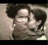 Et pour bien commencer la journée, un petit flashback - Jaden et sa maman.