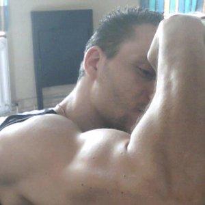 Mon Biceps + Déltroïdes :) Mai 2011