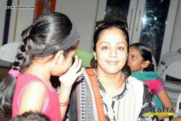 jyothika amp diya at mahesh memorial trust event dev