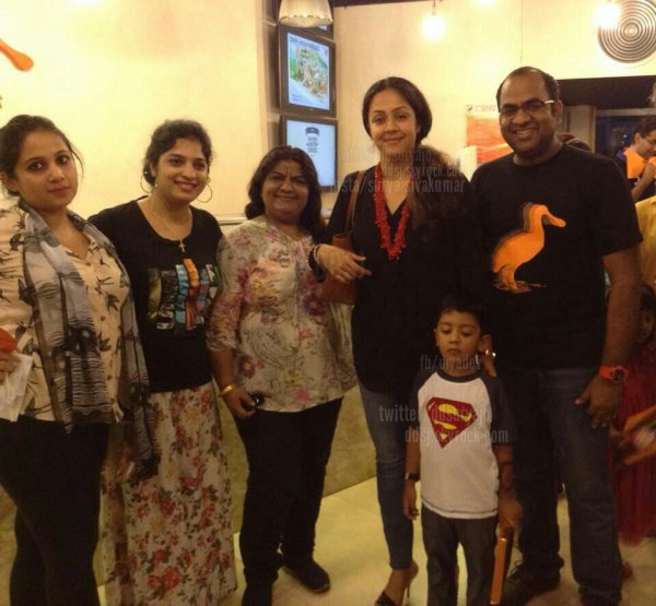Jyothika and Dev with fans - Rare/Unseen pics