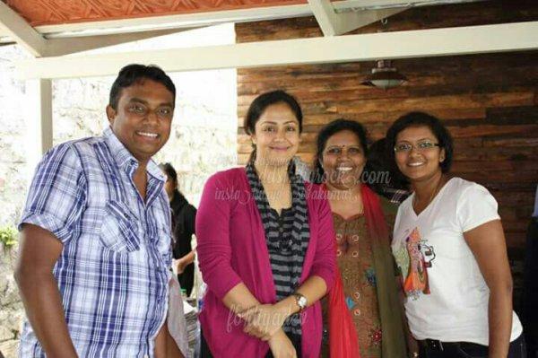 Suriya Jyothika with fans @ Yercaud - Rare/Unseen pics