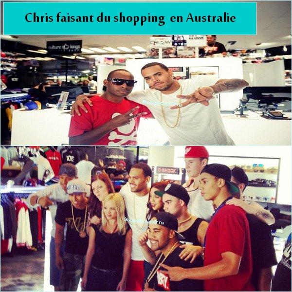 Chris en Boîte & dans un magasin en Australie.
