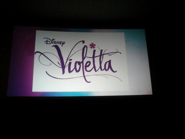 Jai etait voir Viva Violetta c'était juste magnifique je n'aurais pas pu rêvé mieux... Pour ce qui on était voir comment vous avez trouver ??
