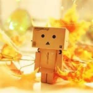 Souris même si ton sourire est triste, car s'il existe quelque chose de plus triste qu'un sourire triste, c'est bien la tristesse de ne pas savoir sourire.
