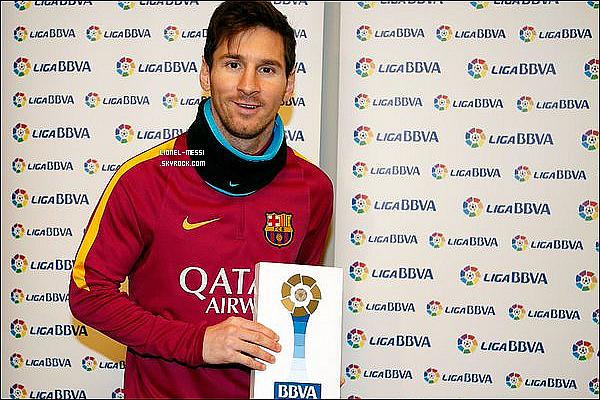 . 11/02/16 - Comme d'habitude,  le génie argentin Messi a été à l'entrainement du FC Barcelone !  Les Blaugranas se prépare pour le match très important de dimanche contre le Celta Vigo (7ème du championnat) en Liga BBVA ! .