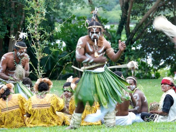danseurs et danseuses de Nouméa