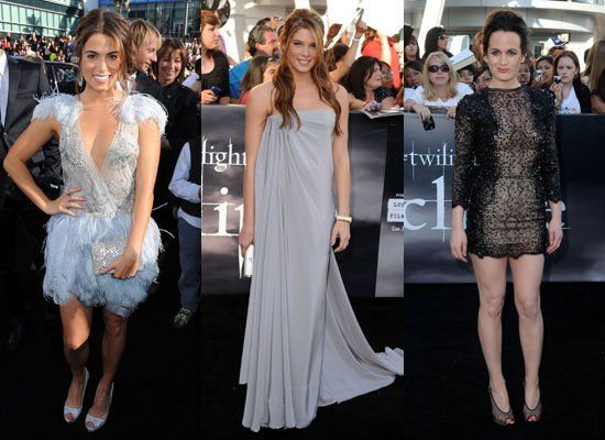 Who wore the most beautiful dressat the Twilight Saga Eclipse Premiere? (Dakota,Bryce,Julia,Nikki,Ashley,Elizabeth)