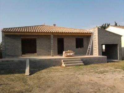 Enfin le toit 4 pentes notre future maison for Modele maison toit 4 pentes