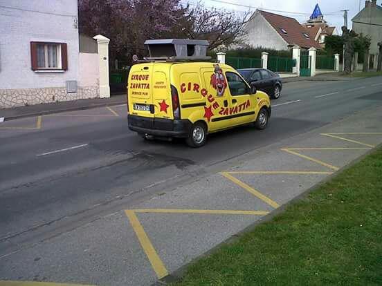 Camionnette du cirque zavatta