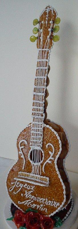 Croquembouche: Guitare!