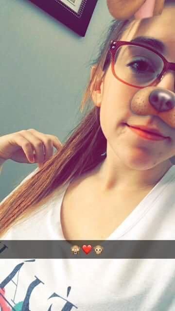 Allez l'ajouter sur snap et insta /// Add her on snapchat and instagram!