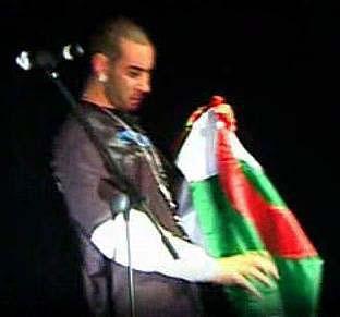 la fouine ac le drapeau algerien(live a la sigale)