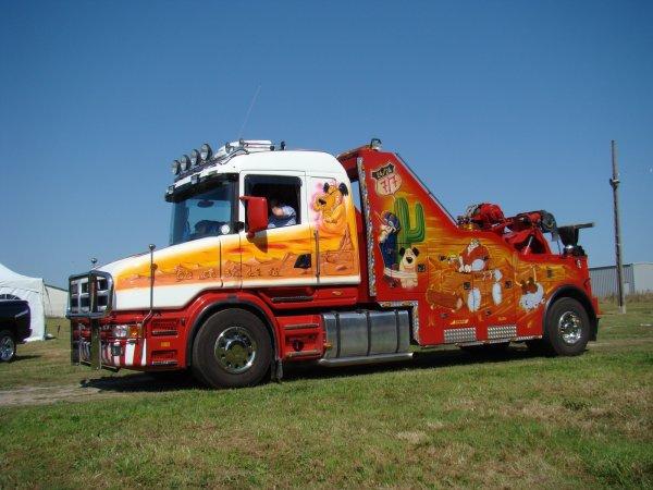 Scania T dépaneuses bien décorée