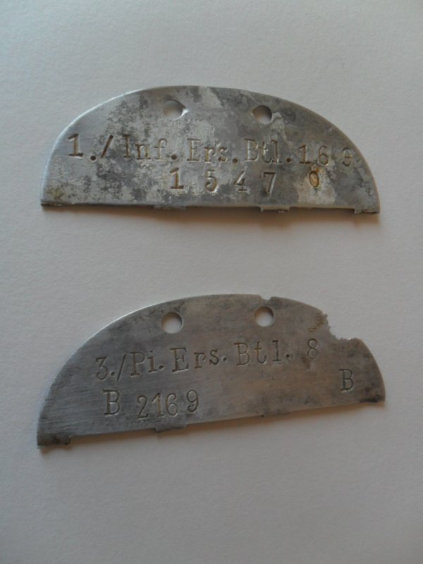 deux demi plaques allemandes