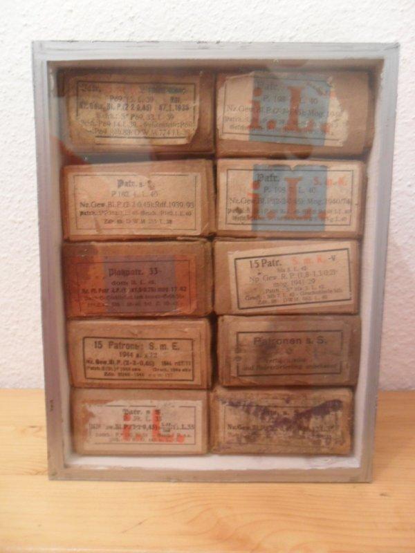 petite vitrine pour les boites de muns all ww2
