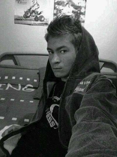 Moi en mode couleur ,  noir et blanc =)))